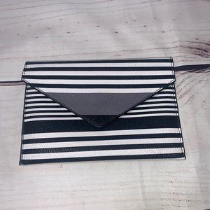 Vera Bradley • triangle fold over clutch